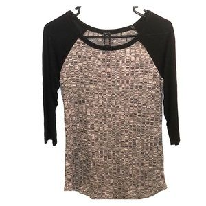 NWOT Rue 21 3/4 sleeve grey and black top M